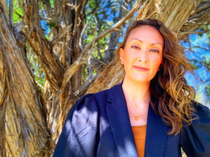 Publishing Expert Adrianna Alvarez